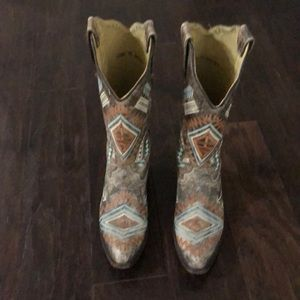Women's Corral Boots - 7 1/2 (excellent condition)